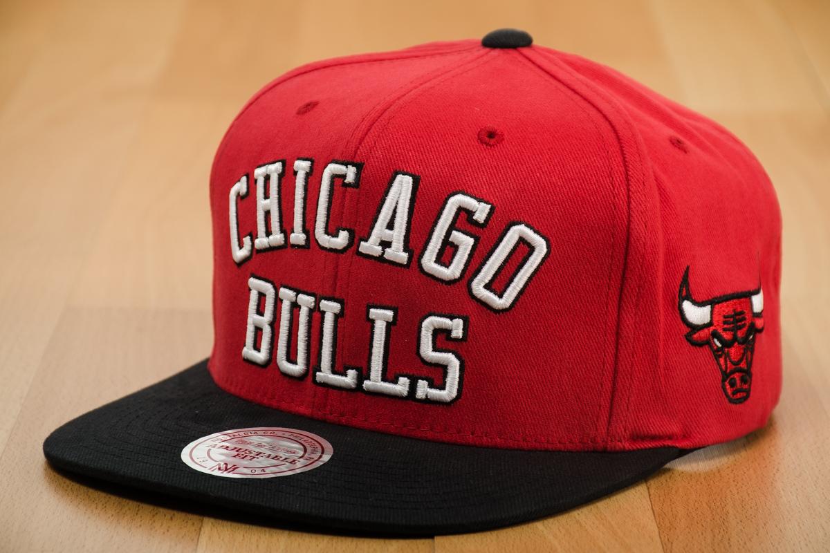 new concept 1728e d2b84 Mitchell   Ness NBA Chicago Bulls Wordmark Jersey Hook Snapback Cap - Caps  Snapbacks - Sporting goods   sil.lt