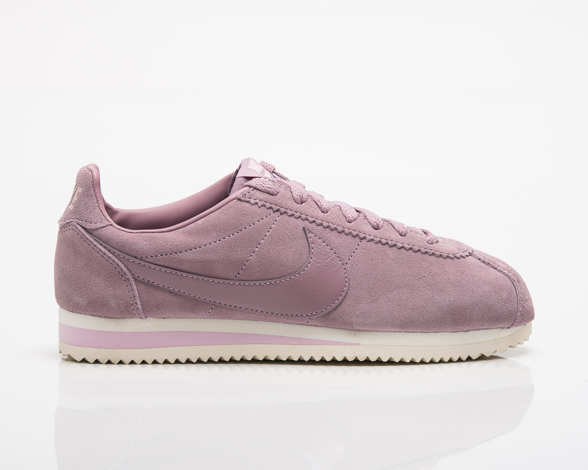 los angeles 35ef3 6657e Nike Wmns Classic Cortez Suede - Shoes Casual - Sporting goods   sil.lt